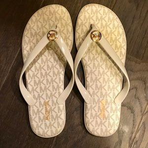 Michael Kors Bedford Flip Flops Vanilla Size 8